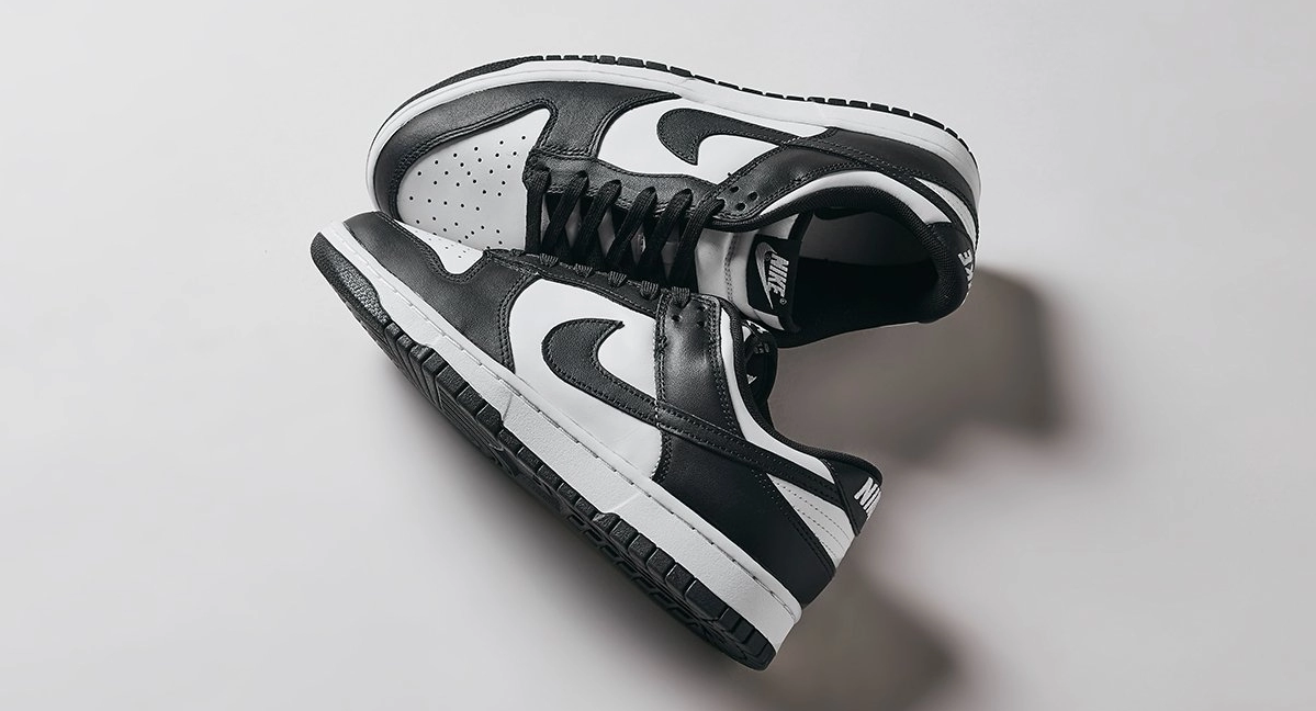 https://moresneakers.com/releases/search?releaseName=dunk%20black
