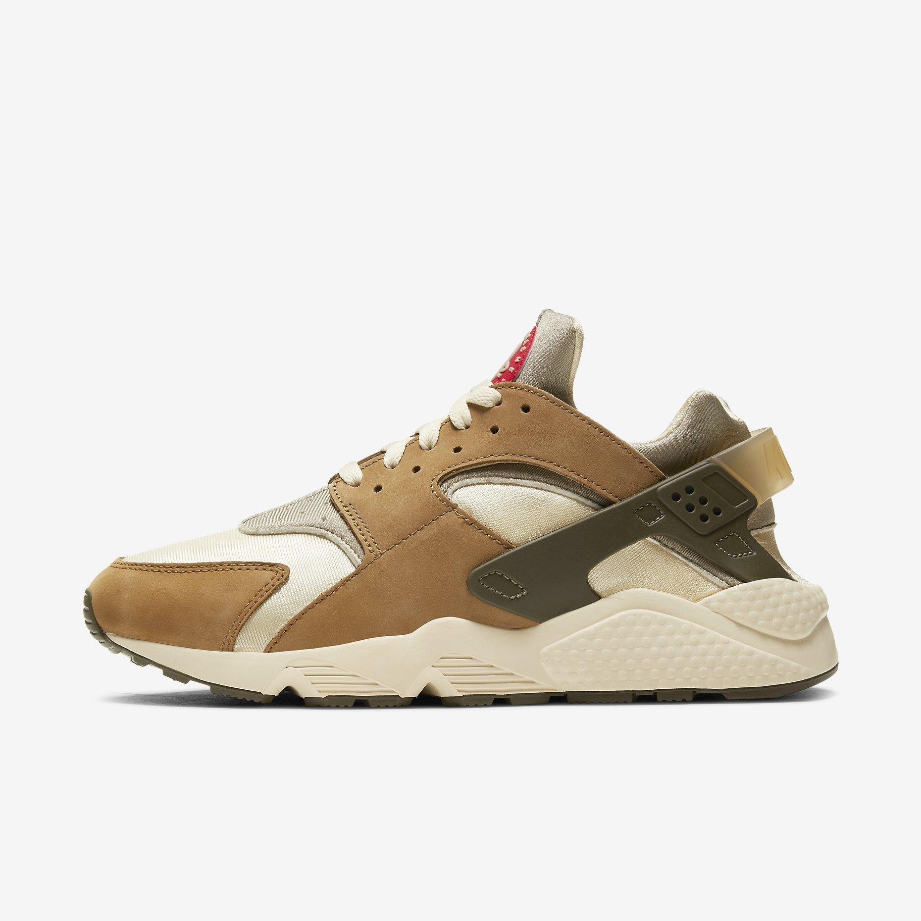 Stüssy x Nike Air Huarache LE 'Desert Oak'}