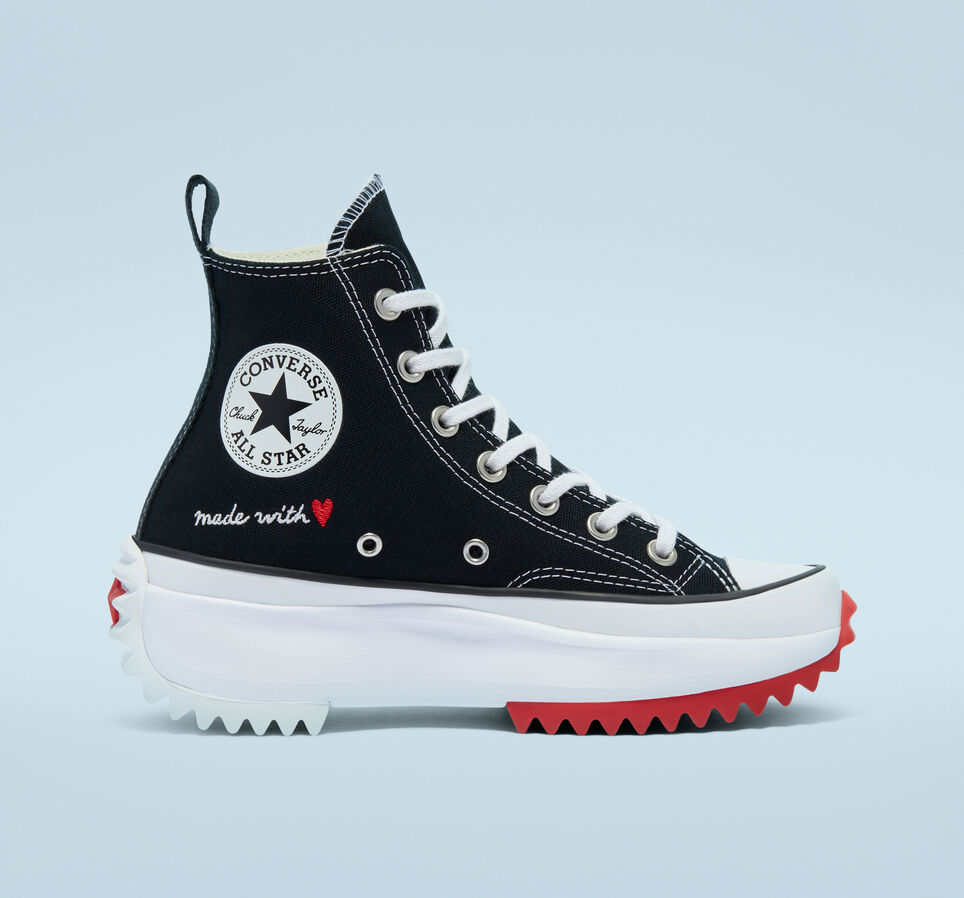 womens-converse-run-star-hike-valentines-day-171120c11