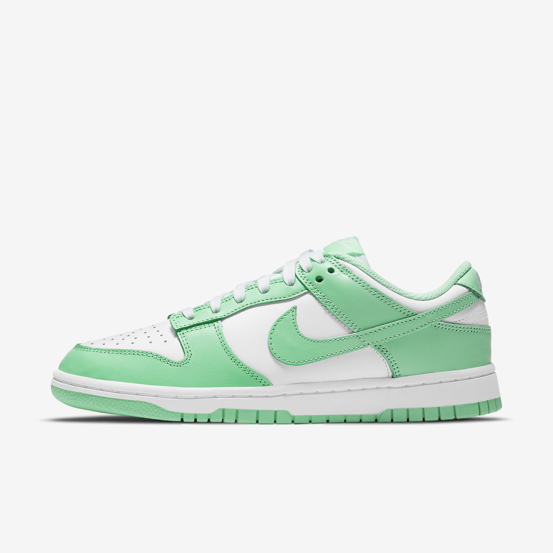 Women's Nike Dunk Low 'Green Glow'}